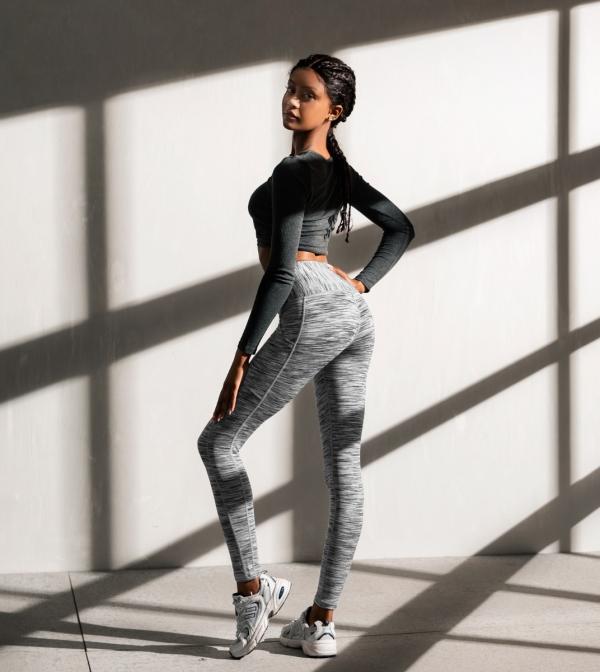 LAPASA Women's High Waist Tummy Control Yoga Leggings With Pockets Workout Running Sports Pants L01B1